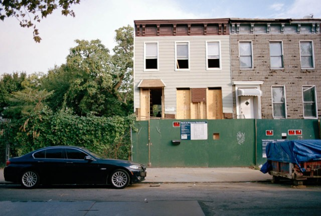 A construction site at Quincy Street. Bed-Stuy as many other borughs in Brooklyn experience a transformation. © Cedric Durig